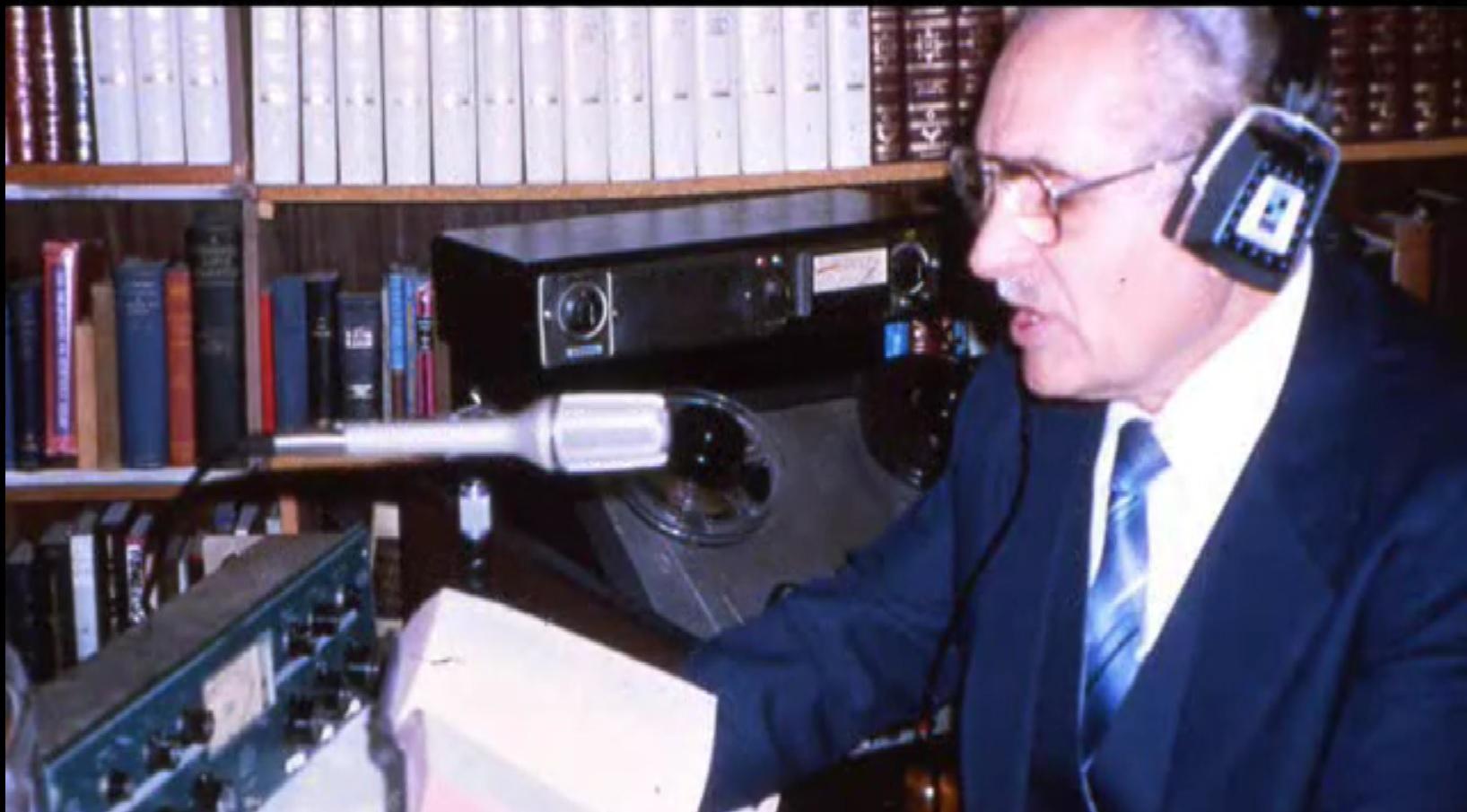 Петр Слободян в радио студии